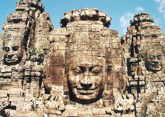 Копия Bayon_Angkor_frontal