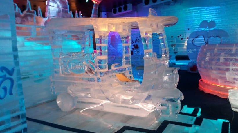 FROST-Magical-Ice-Of-Siam-snezhnyj-gorodok-v-Pattaje-3-1